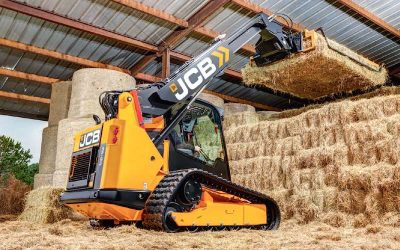 First Skid Steer or Compact Tracked Loader With a Telescopic Boom