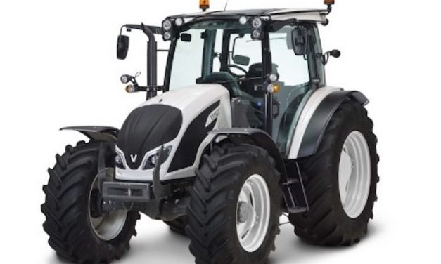 IDEAL Combine and Valtra A4 Series Tractors Win Red Dot Design Award